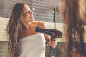 Haarverlängerung richtig trocknen