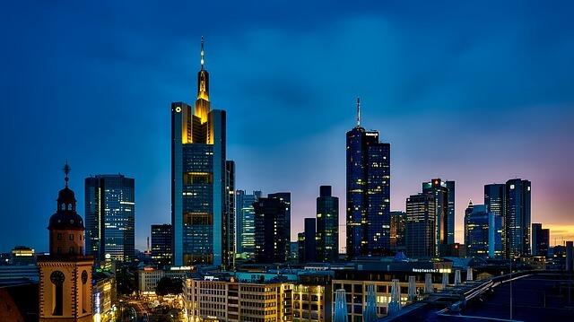 Haarverlängerung in Frankfurt