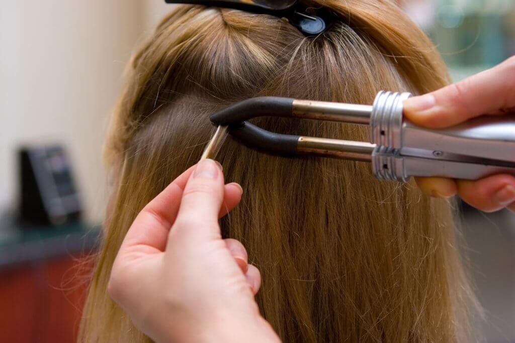 Haarverlängerung mit Bondings