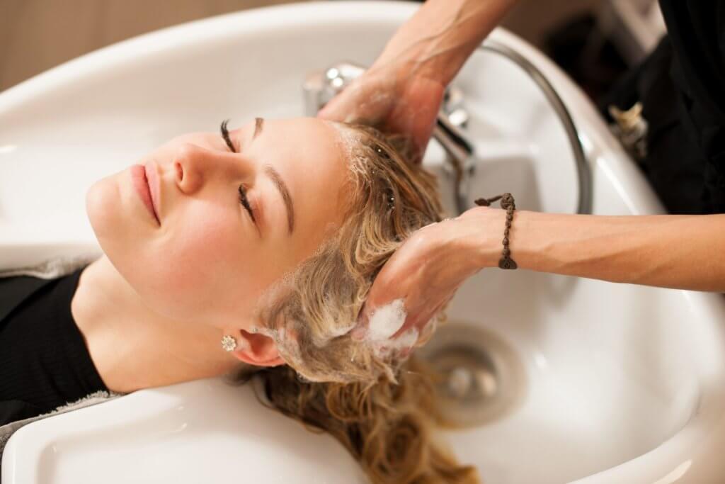 Haare waschen mit Extensions